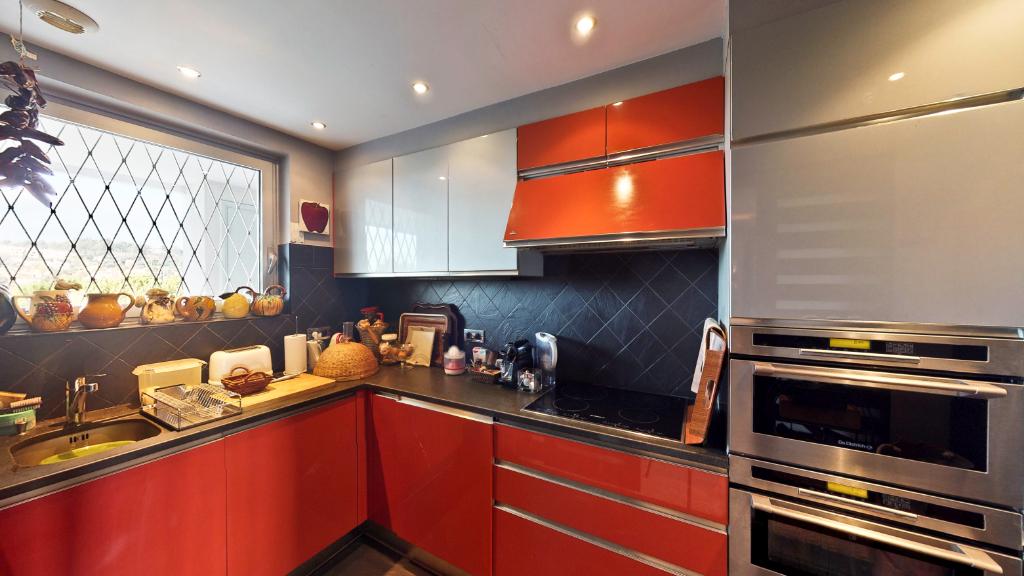 a vendre appartement villeneuve loubet 91 m mister property. Black Bedroom Furniture Sets. Home Design Ideas
